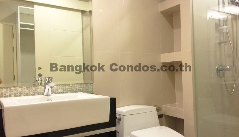 2 Bedroom Condo for Sale The Crest Sukhumvit 34_BC00053_23