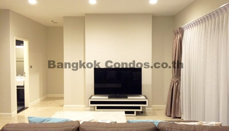 2 Bedroom Condo for Sale The Crest Sukhumvit 34_BC00053_4