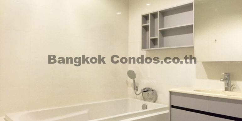 Executive 1 Bedroom Condo for Rent HQ by Sansiri Condo Near Thonglor BTS_BC00063_13