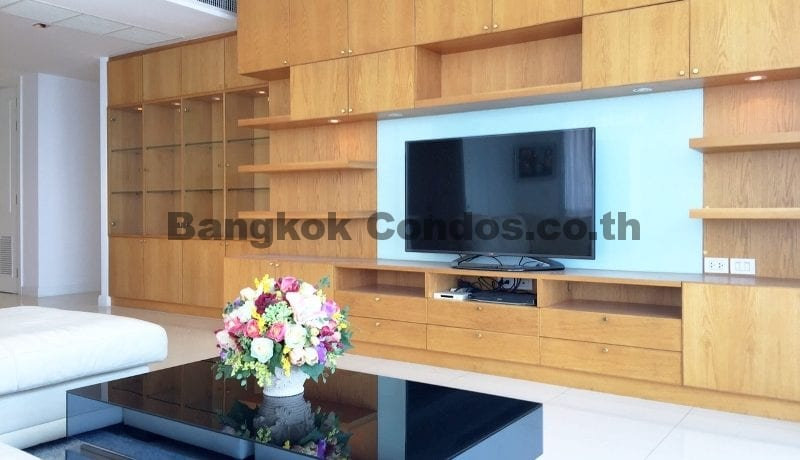 lavish-3-bedroom-athenee-residence-condo-for-rent-phloen-chit_bc00112_4
