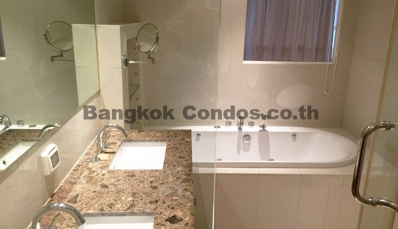 striking-3-bedroom-condo-for-rent-athenee-residence-3-bed-for-rent_bc00113_13
