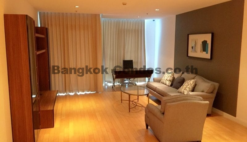 striking-3-bedroom-condo-for-rent-athenee-residence-3-bed-for-rent_bc00113_3