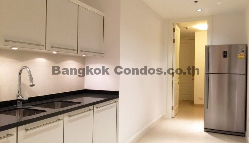 striking-3-bedroom-condo-for-rent-athenee-residence-3-bed-for-rent_bc00113_8