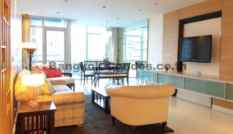 Homely 2 Bed Athenee Residence 2 Bedroom Condo for Rent Sukhumvit_BC00152_1