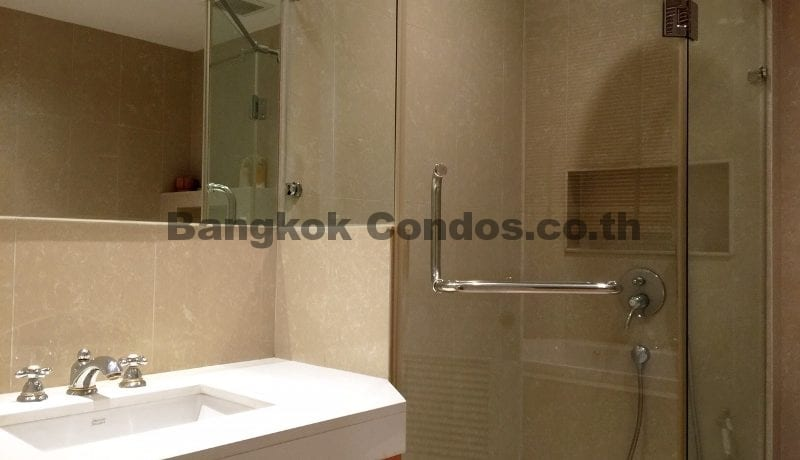 Homely 2 Bed Athenee Residence 2 Bedroom Condo for Rent Sukhumvit_BC00152_12