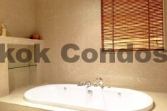 Homely 2 Bed Athenee Residence 2 Bedroom Condo for Rent Sukhumvit_BC00152_13