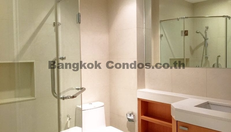 Homely 2 Bed Athenee Residence 2 Bedroom Condo for Rent Sukhumvit_BC00152_15