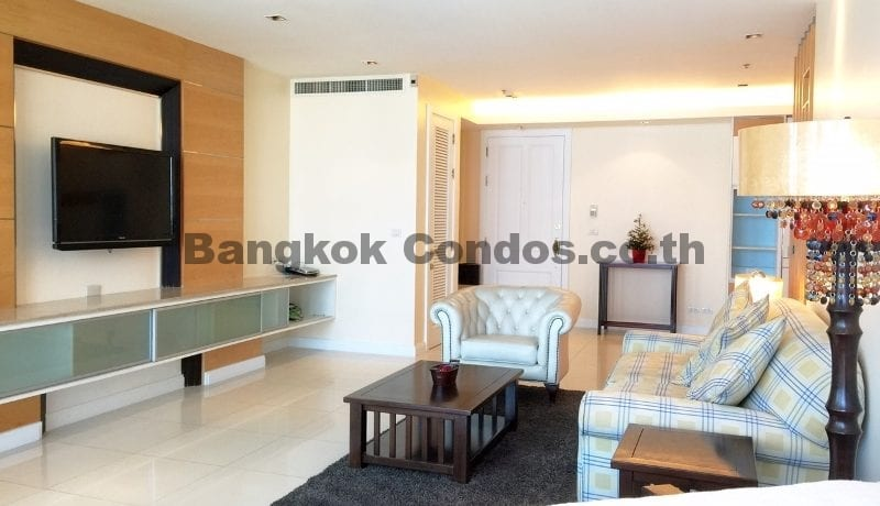Homely 2 Bed Athenee Residence 2 Bedroom Condo for Rent Sukhumvit_BC00152_5