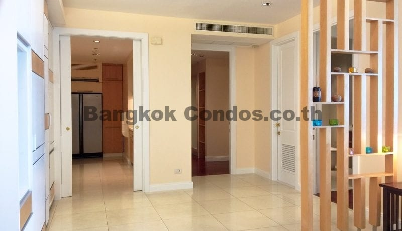 Homely 2 Bed Athenee Residence 2 Bedroom Condo for Rent Sukhumvit_BC00152_7