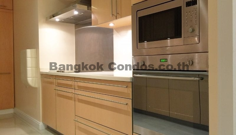 Homely 2 Bed Athenee Residence 2 Bedroom Condo for Rent Sukhumvit_BC00152_8