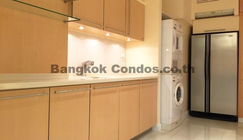 Homely 2 Bed Athenee Residence 2 Bedroom Condo for Rent Sukhumvit_BC00152_9