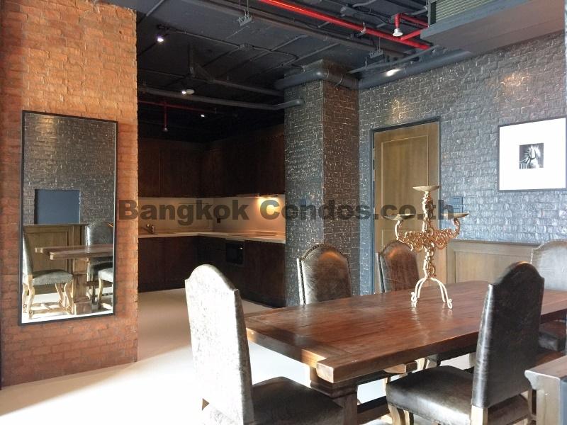New york loft 3 bedroom aguston sukhumvit 22 pet friendly for Nyc loft for sale