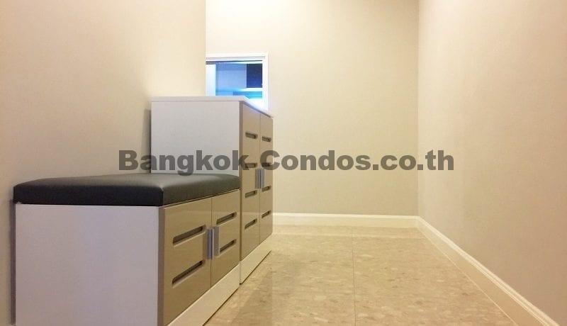 Rent a Spacious 2 Bedroom Duplex Condo at The Crest Sukhumvit 34_BC00220_1