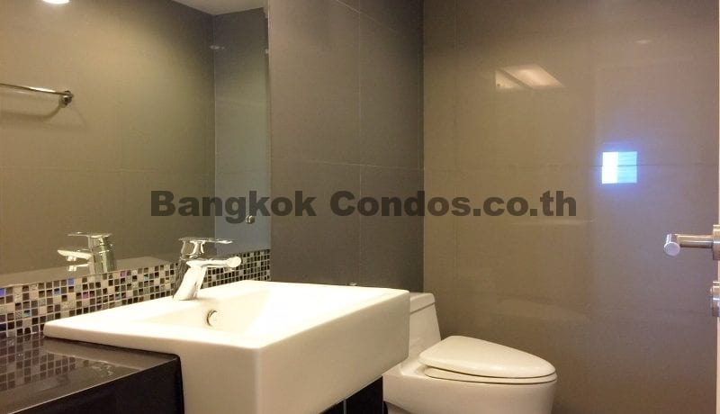 Rent a Spacious 2 Bedroom Duplex Condo at The Crest Sukhumvit 34_BC00220_9