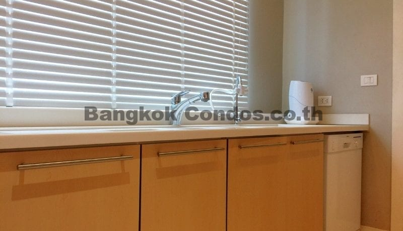 Magnificent 2 Bed Athenee Residence 2 Bedroom Condo for Rent Sukhumvit_BC00266_9