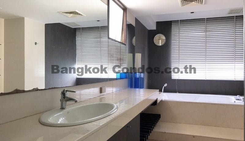 Modern 3 Bed Tai Ping Towers 3 Bedroom Condo for Rent Ekamai Condos_BC00305_17