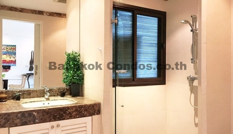 Charming 3 Bed Baan Ananda 3 Bedroom Condo for Sale Ekamai_BC00322_10