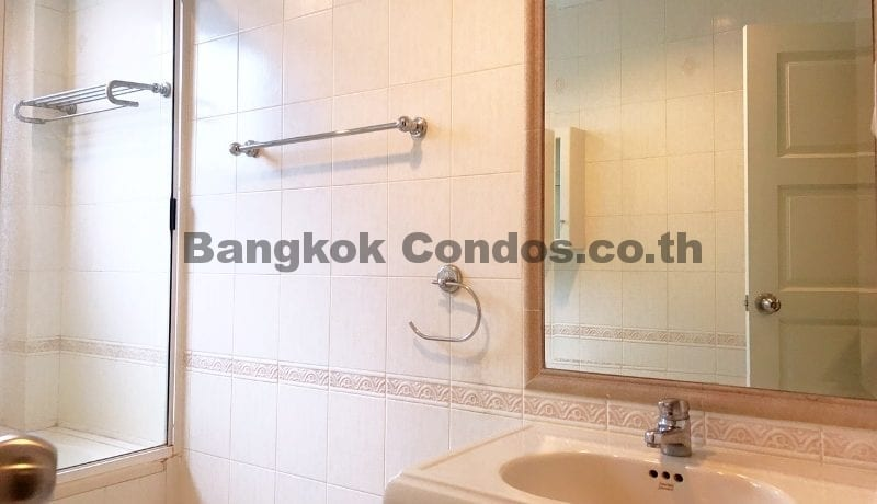 Wonderful 3 Bedroom Apartment for Rent Ekkamai Apartment Rentals_BC00325_18