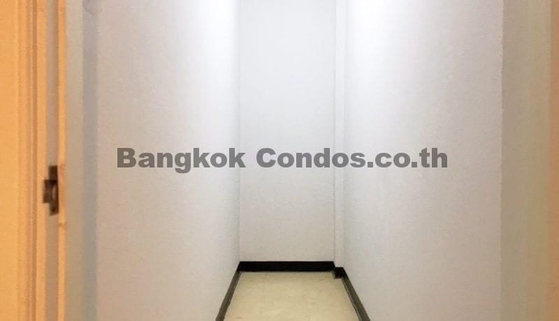 Wonderful 3 Bedroom Apartment for Rent Ekkamai Apartment Rentals_BC00325_20