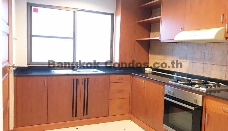 Wonderful 3 Bedroom Apartment for Rent Ekkamai Apartment Rentals_BC00325_6
