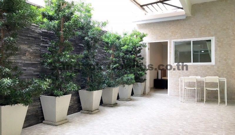 Dog Friendly 3 Bedroom Apartment for Rent Phrom Phong Pet Friendly Apartments_BC00333_1